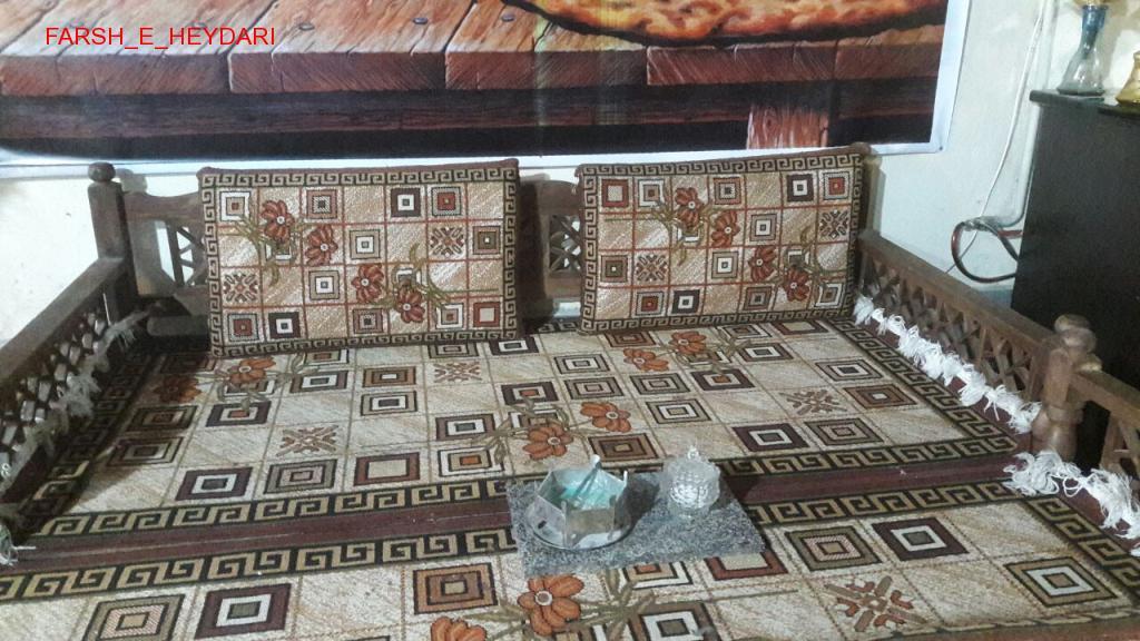 فرش و پشتی تخت سفره خانه سنتی گلیم